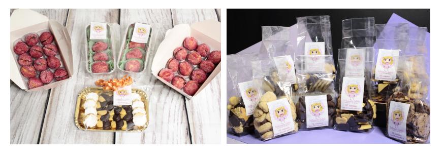 biscotti e pesche dolci nelle confezioni