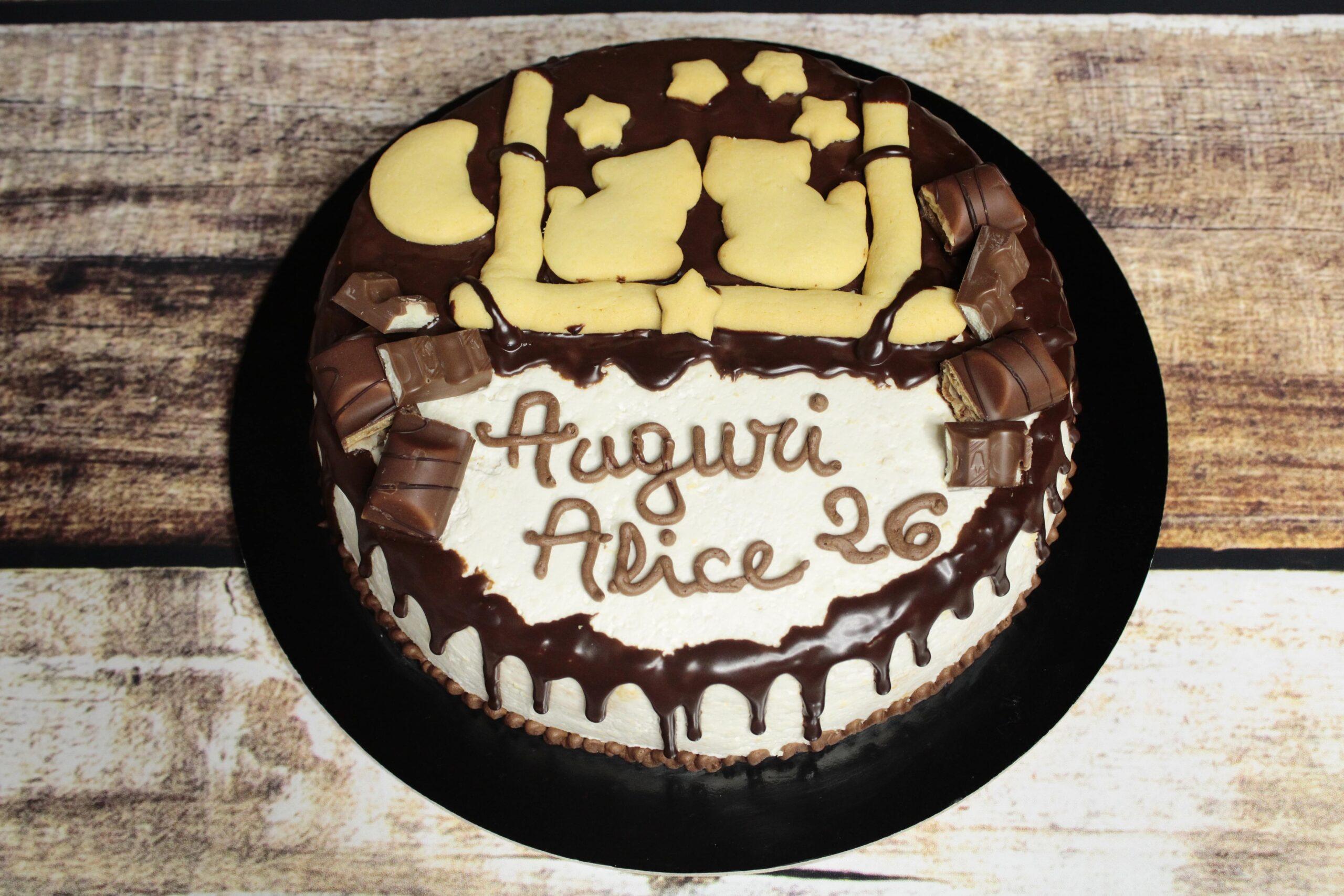 Drip cake con biscotti